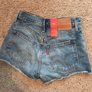 Levi wedgie shorts size 25. New with tags.